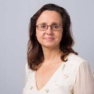 Dr Laura Snyder