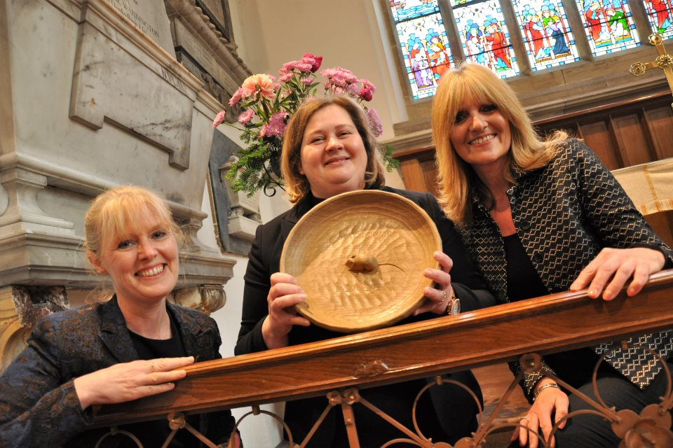 Robert 'Mousie' Thompson Commemorative Plate presented to Babworth Church
