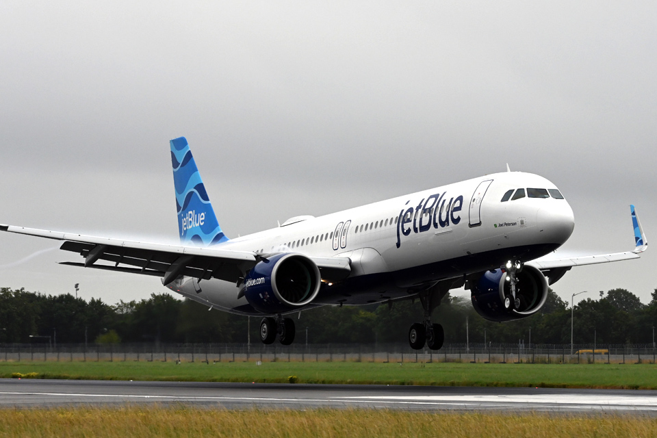 JetBlue inaugural JFK-LHR flight