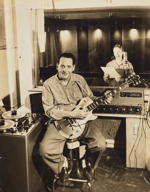 Les Paul and Mary Ford in studio