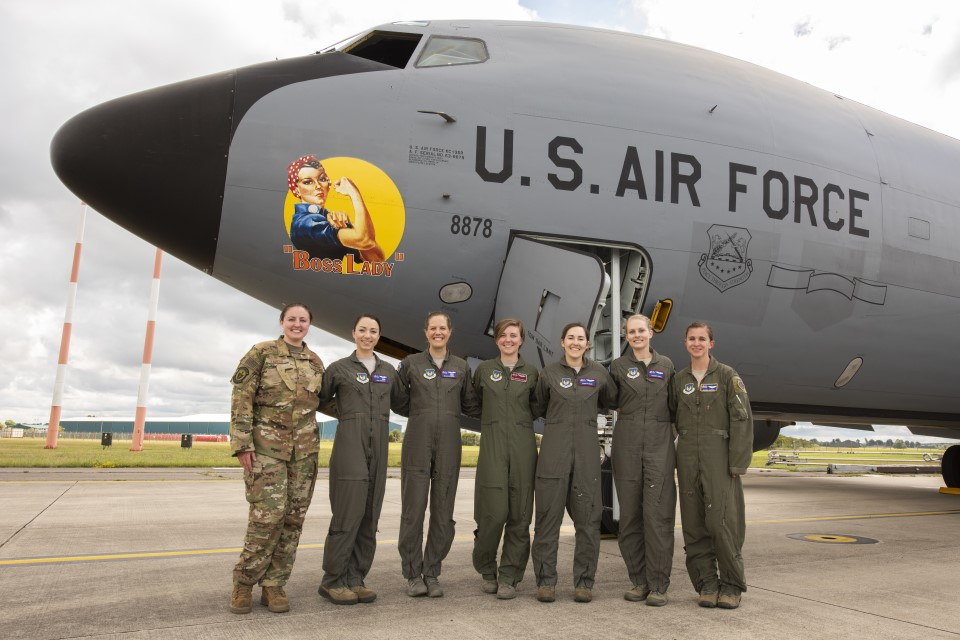 "USAF Female Aircrews in front of ""Boss Lady"""
